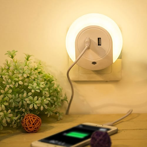 Grde LED Night Light and Dual USB Charger